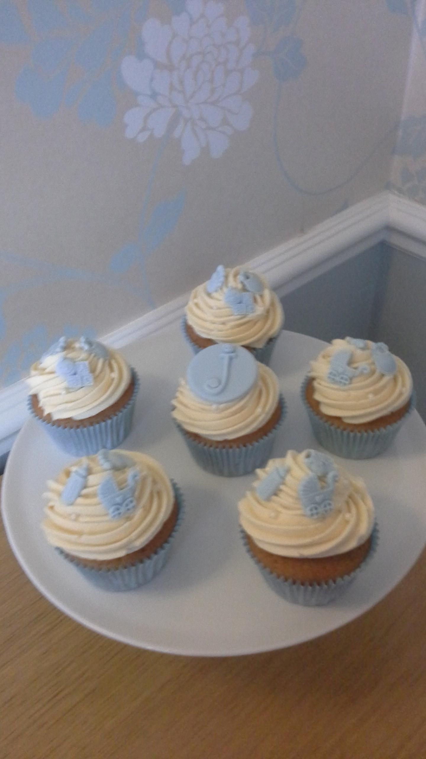 Ough What a Cake 3 Cupcake